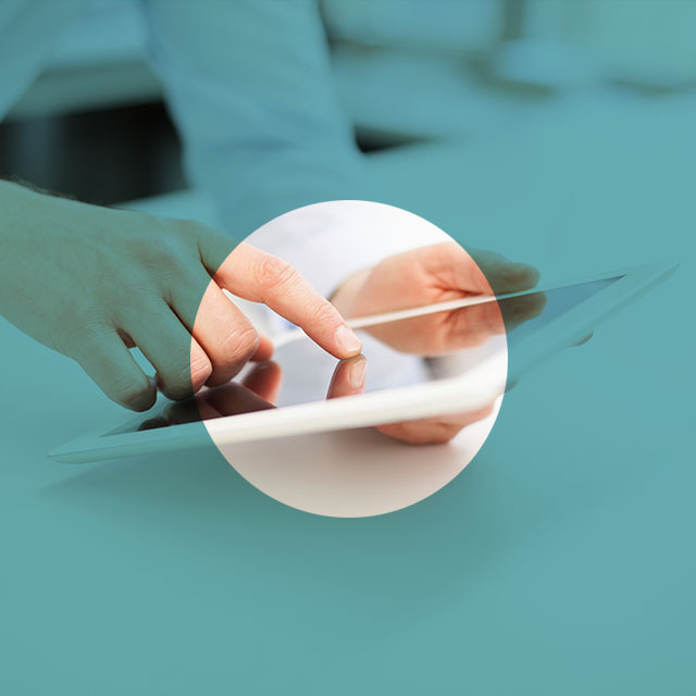 Cree, administre y comparta los informes de manera segura con controles operativos auditables.