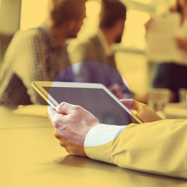 データ収集とレポート:容易にデータを収集し、効率的にレポート