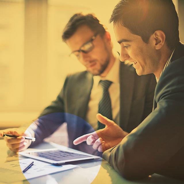 Services financier, juridique et ressources humaines.